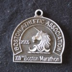 Ken Bob's finisher medal – front, Boston Marathon (2005)
