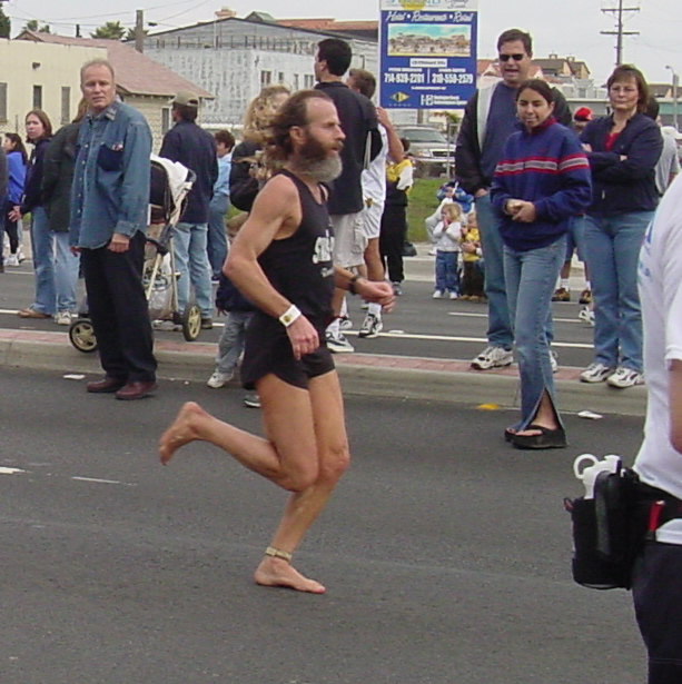 Ken Bob vertical torso, bent knees, Pacific Shoreline Marathon 2002 January 27 Huntington Beach CA