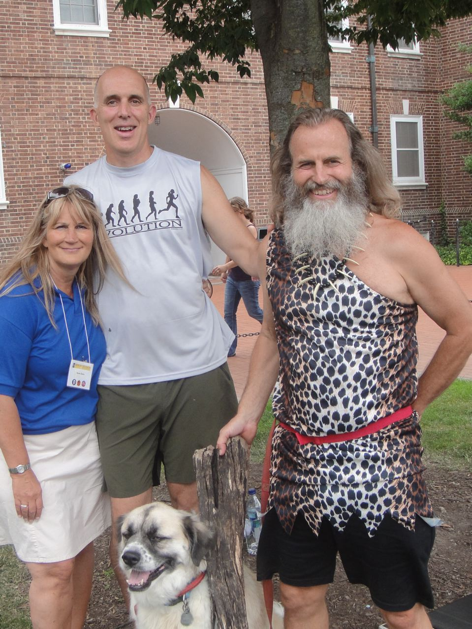 Irene Davis, Chris McDougall, Ken Bob Saxton - Barefoot Running; so simple a cavemen did it