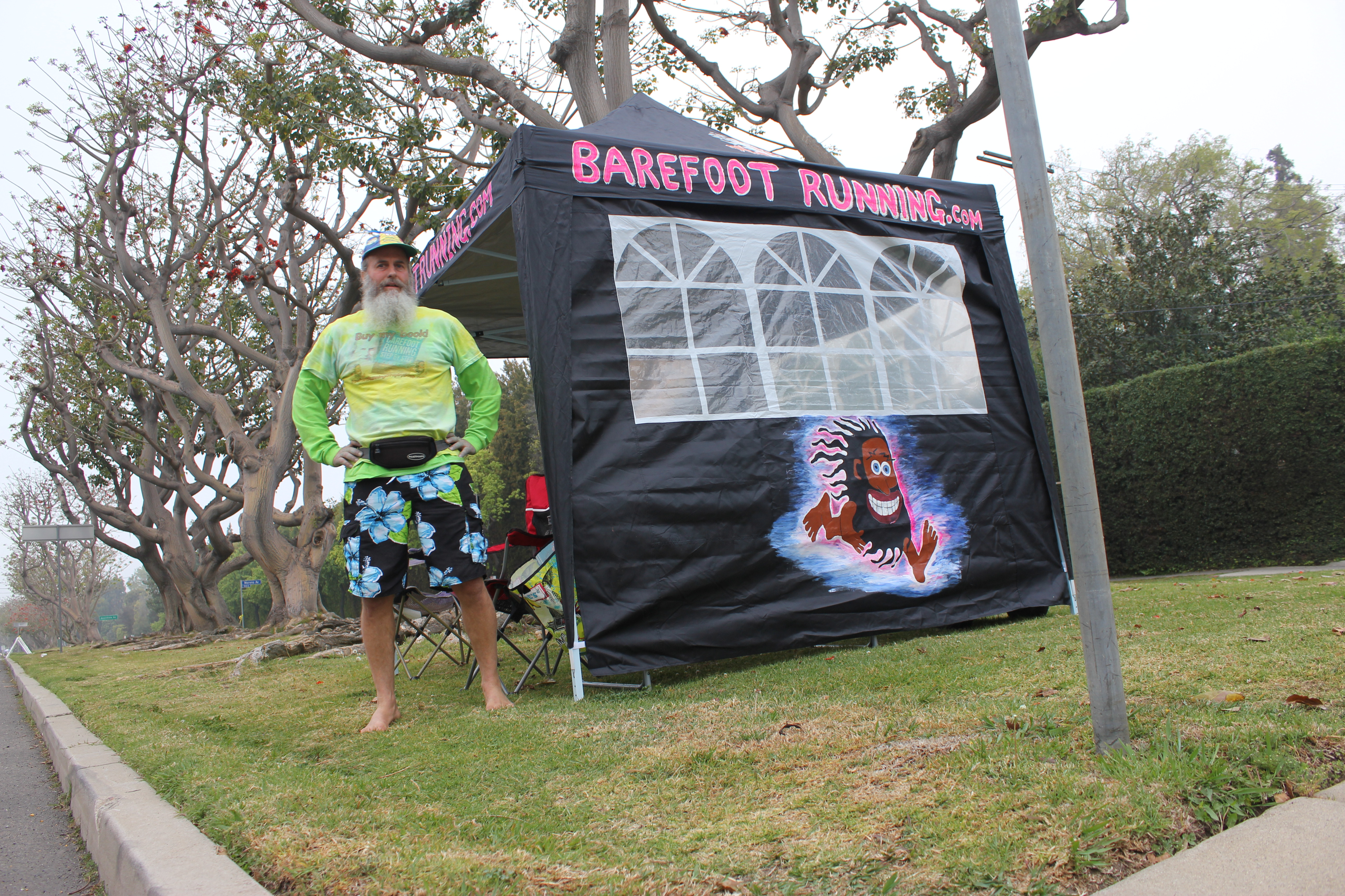 2013 Los Angeles Marathon BarefootRunning.com canopy